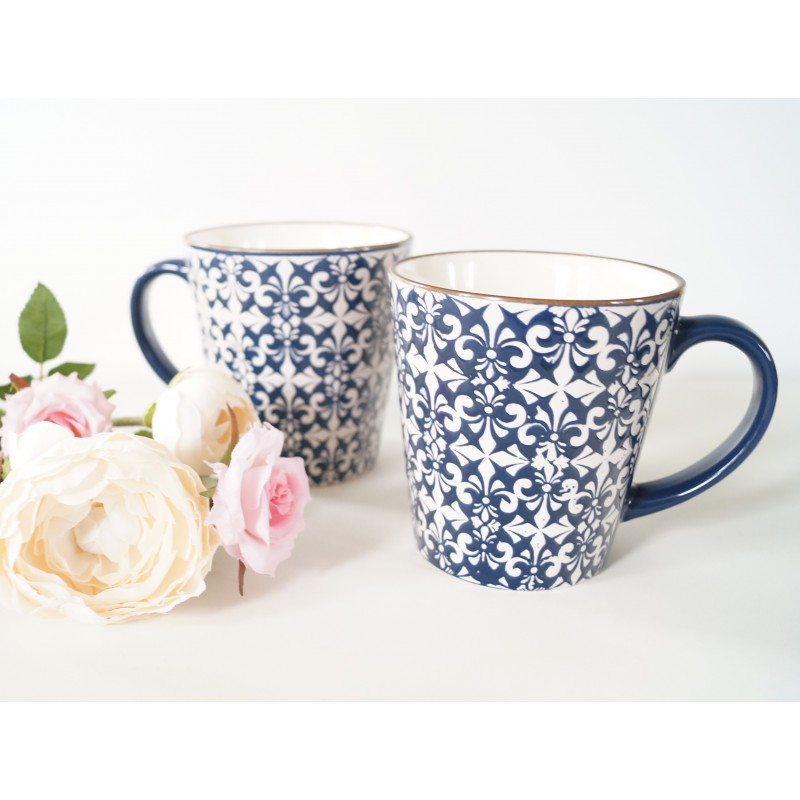 Stylish Mosaic Blue And White Decorative Mugs Set Of 4 And